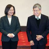 登記台南立委補選 謝龍介:要幫農漁產品打開活路