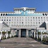 快訊/學太陽花?國民黨工自救會成員衝進行政院 遭警壓制